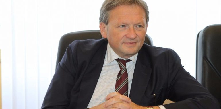 Титов призвал распространить «регуляторную гильотину» на Росгвардию в части надзора ЧОП
