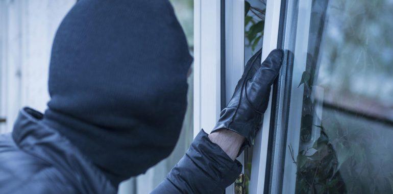 5 лучших способов защиты загородного дома от грабежа