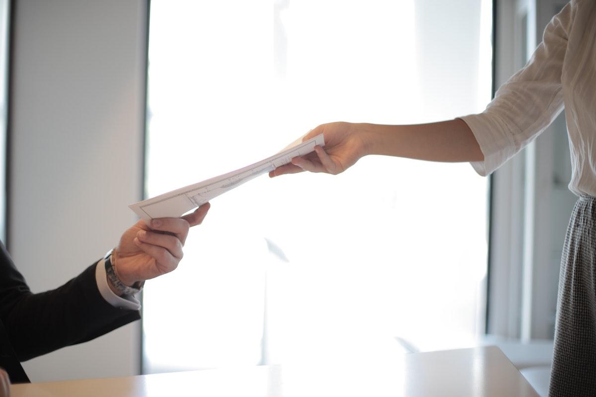 Подача документов на получение лицензии